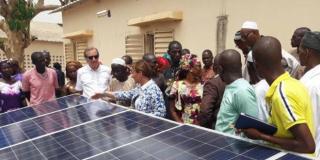 """L'ONG Désirs d'Avenir concrétise le projet """"Maternités solaires"""""""